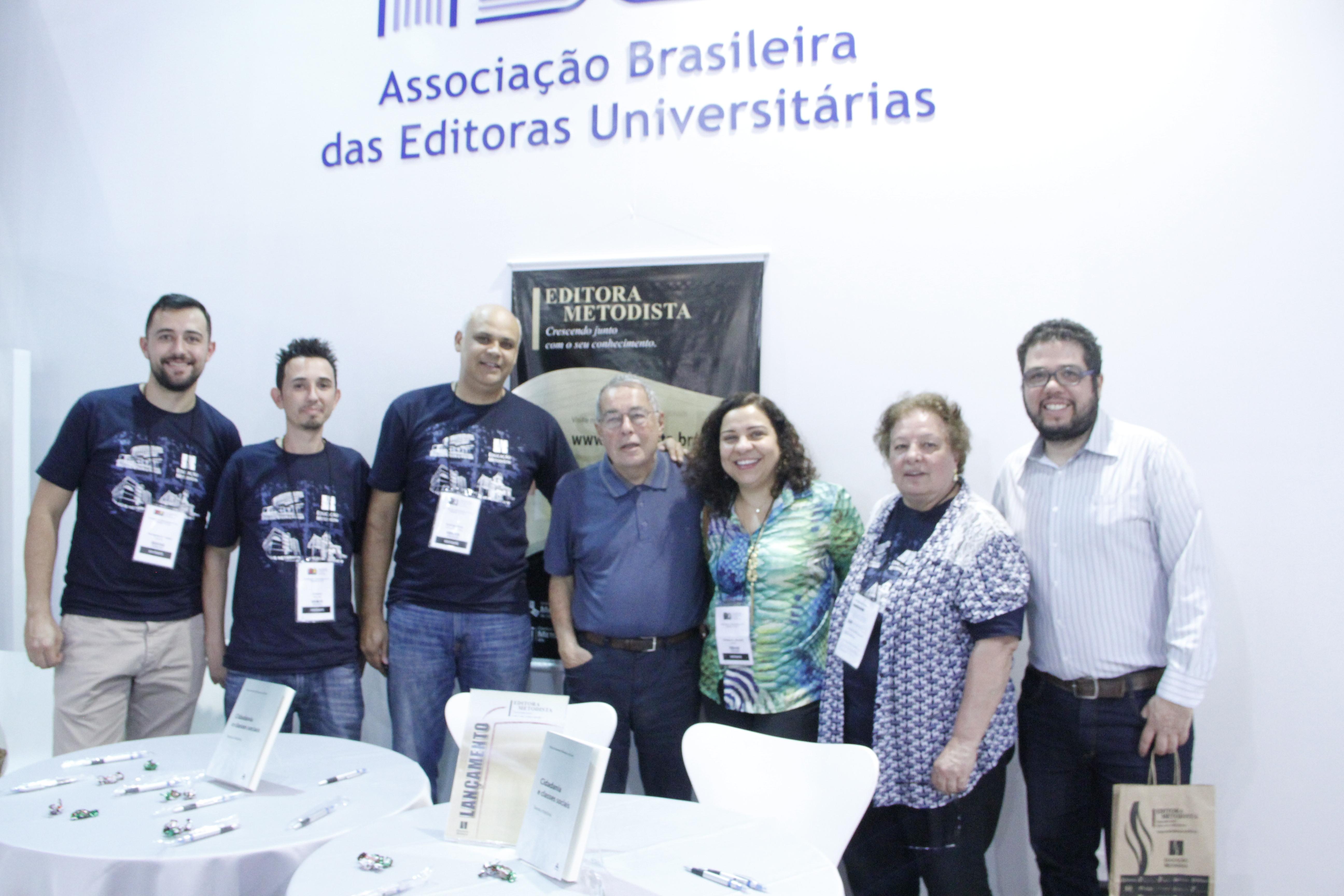 Editora Metodista faz sucesso na Bienal do Livro com seus lançamentos